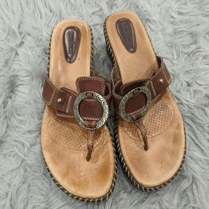 Womena Minnetonka sandals